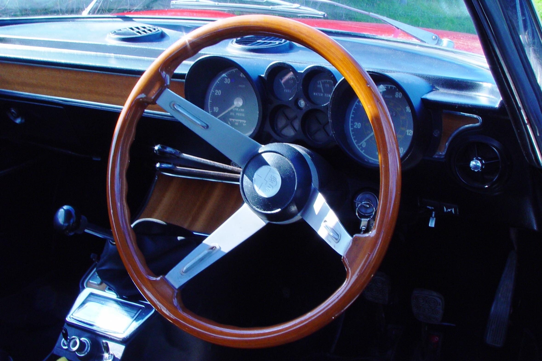 Sunken dials dominate classic Italian interior design