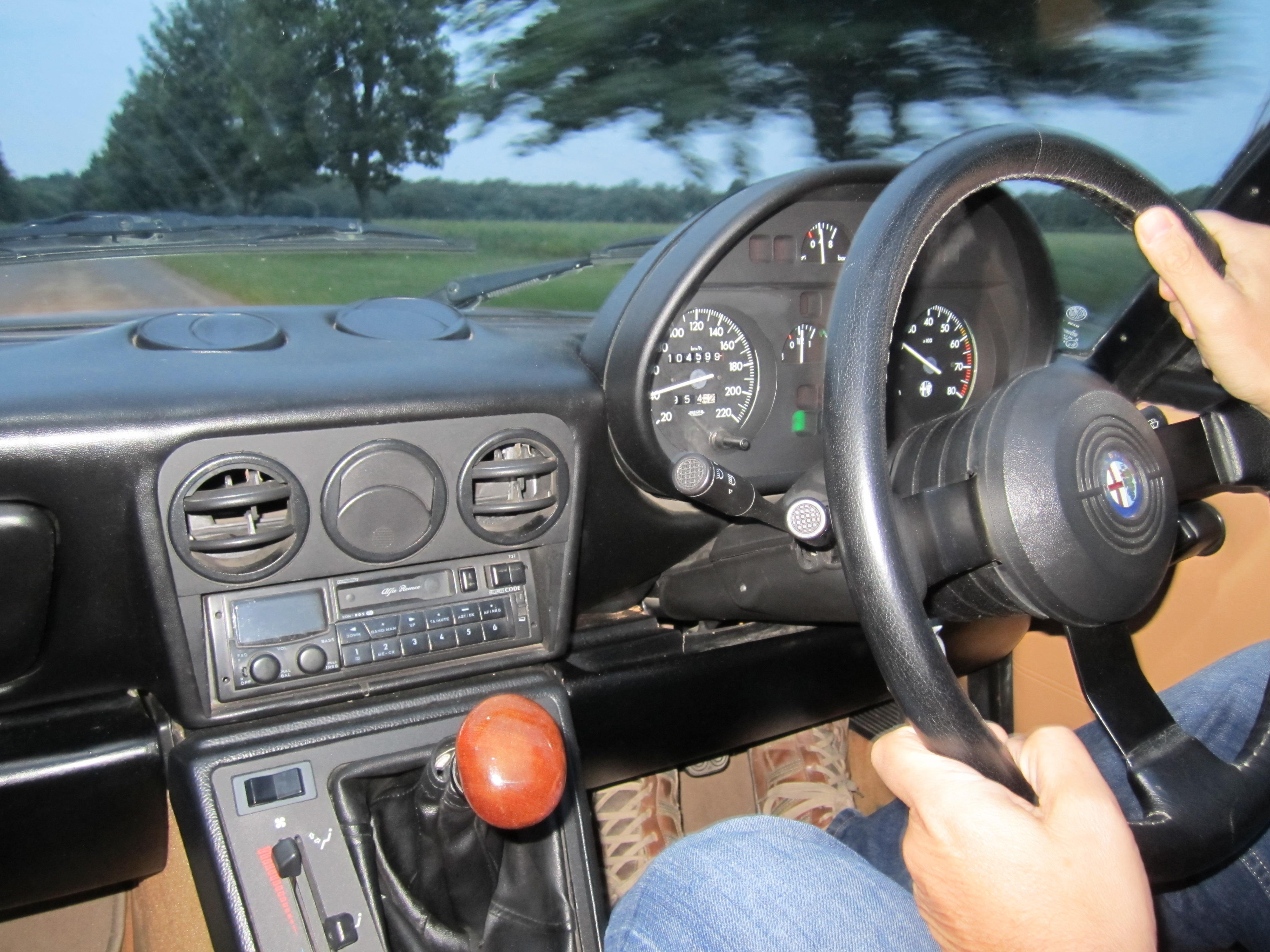Alfa Romeo Spider Driven