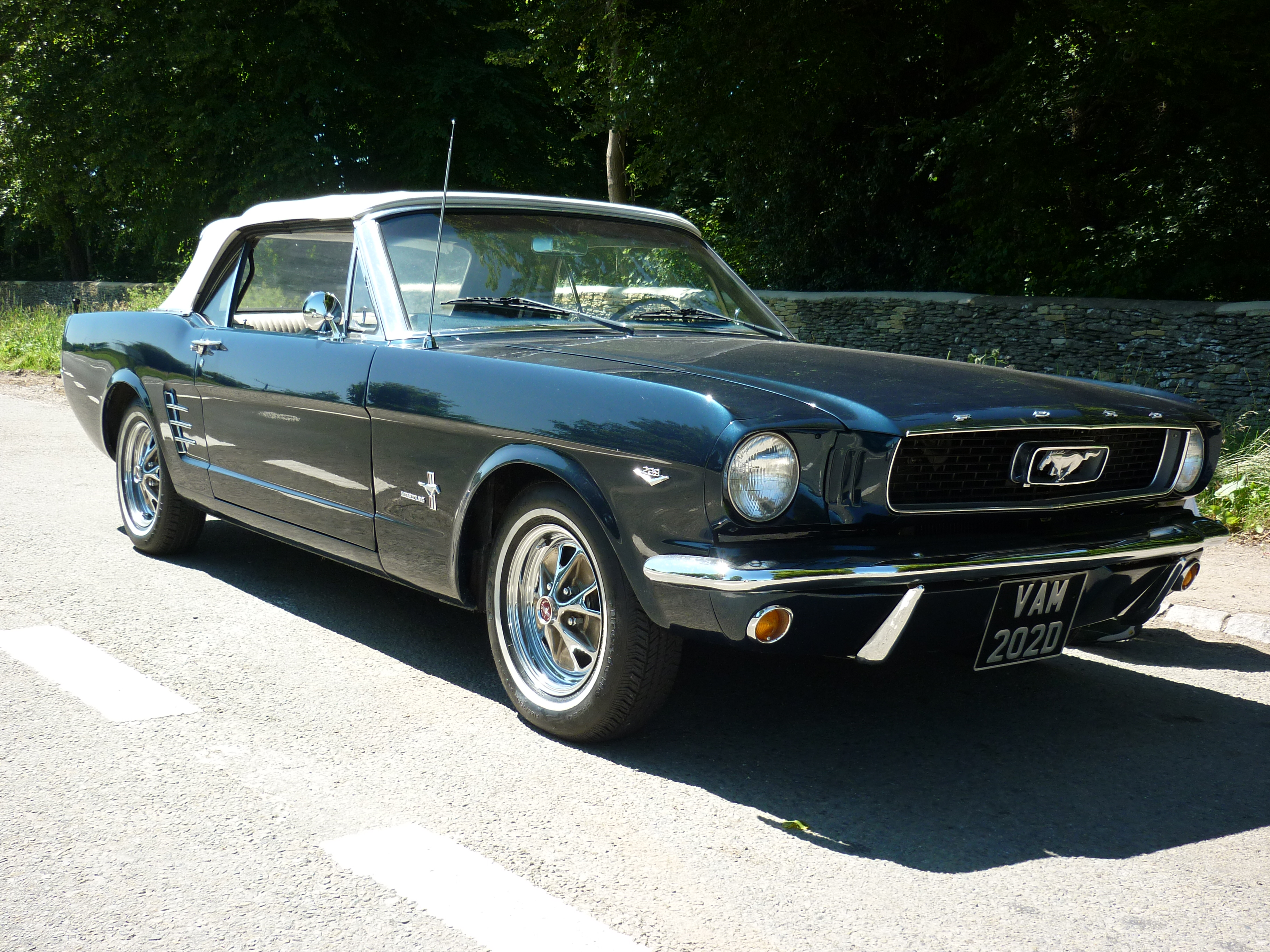 1966 Ford Mustang 289 cu-in V8 Convertible