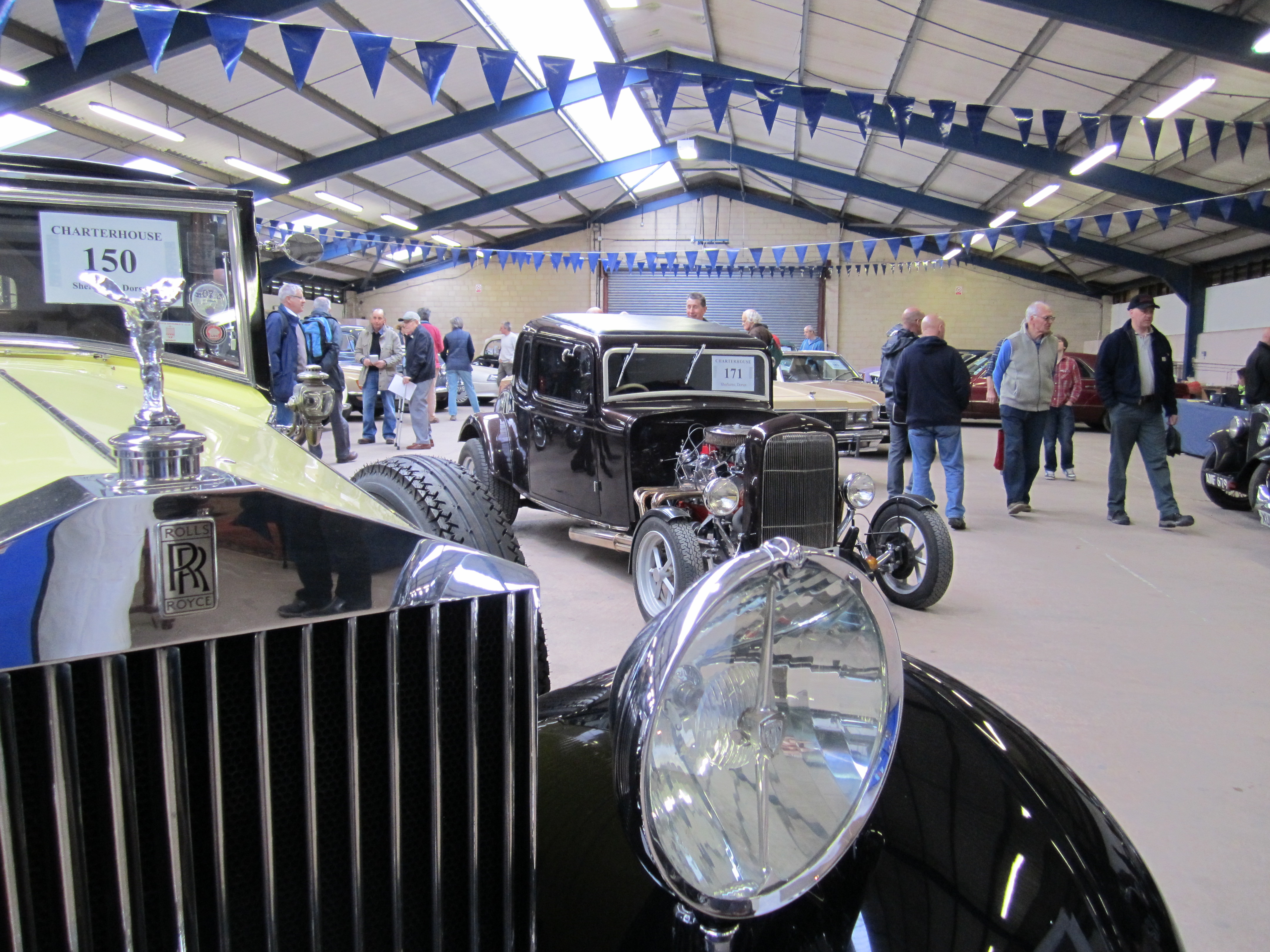 Rolls-Royce and Ford Pop