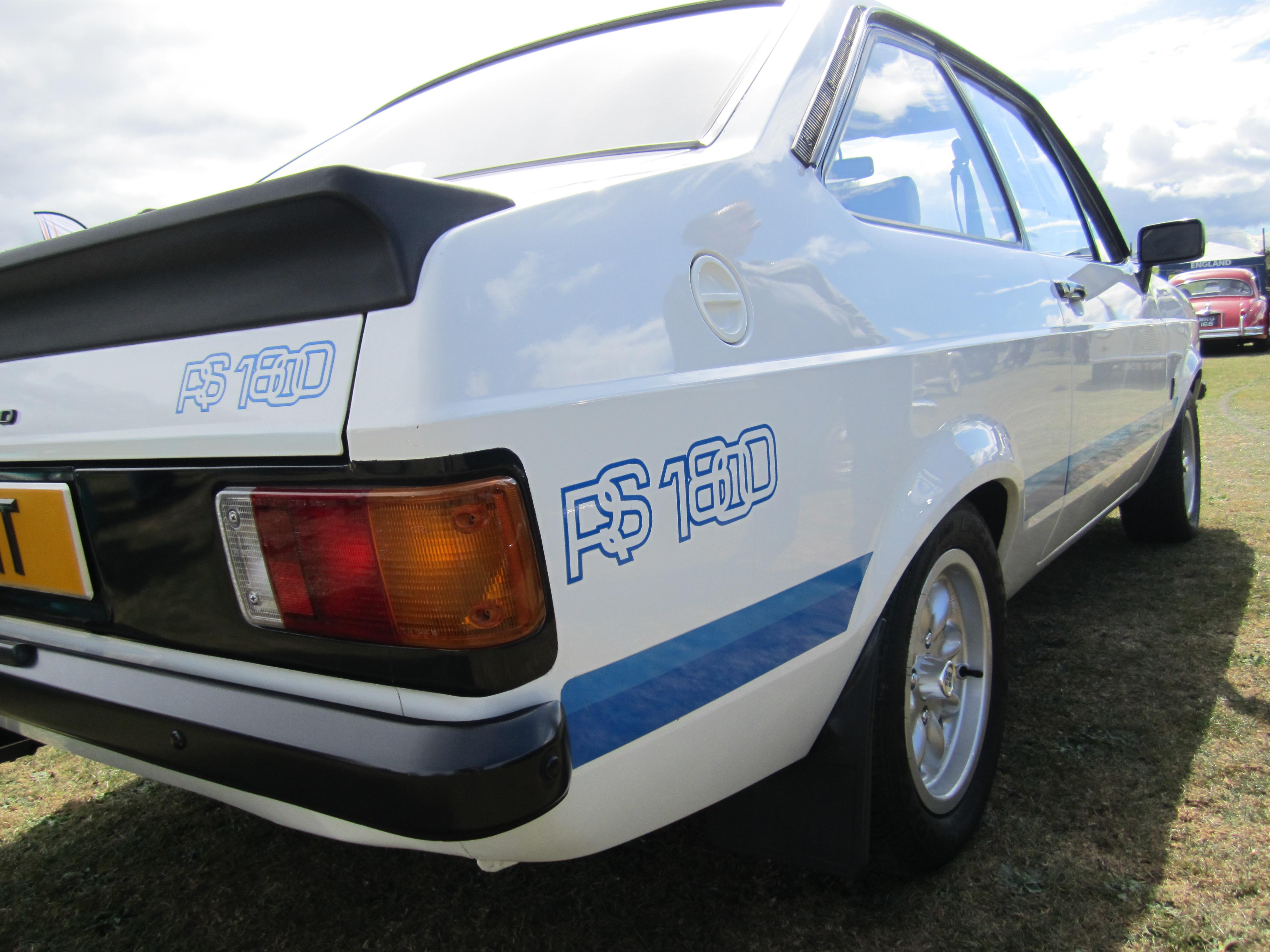 Escort RS1800