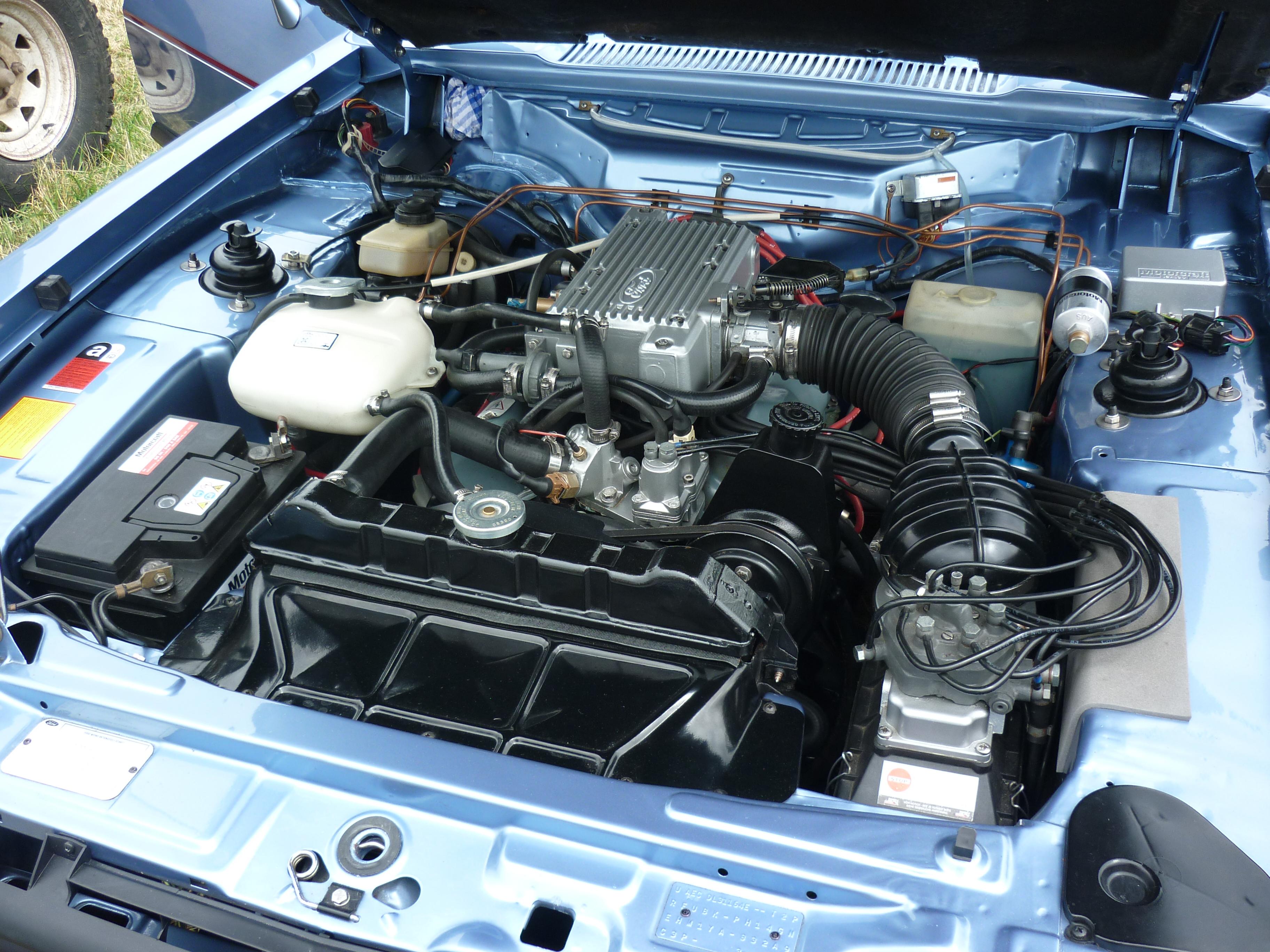 Ford Capri 2.8i Engine Bay