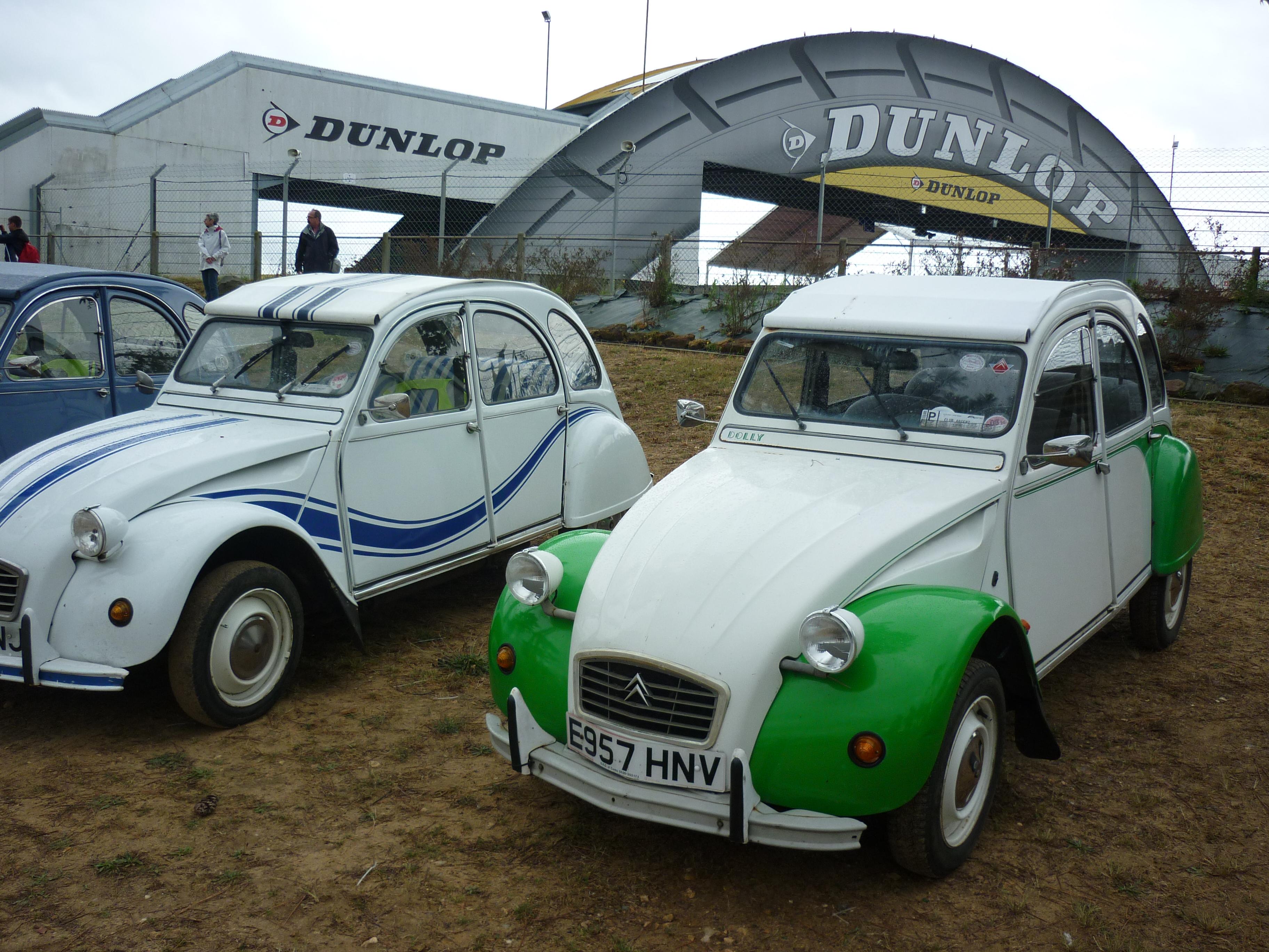 2CVs at Le Mans