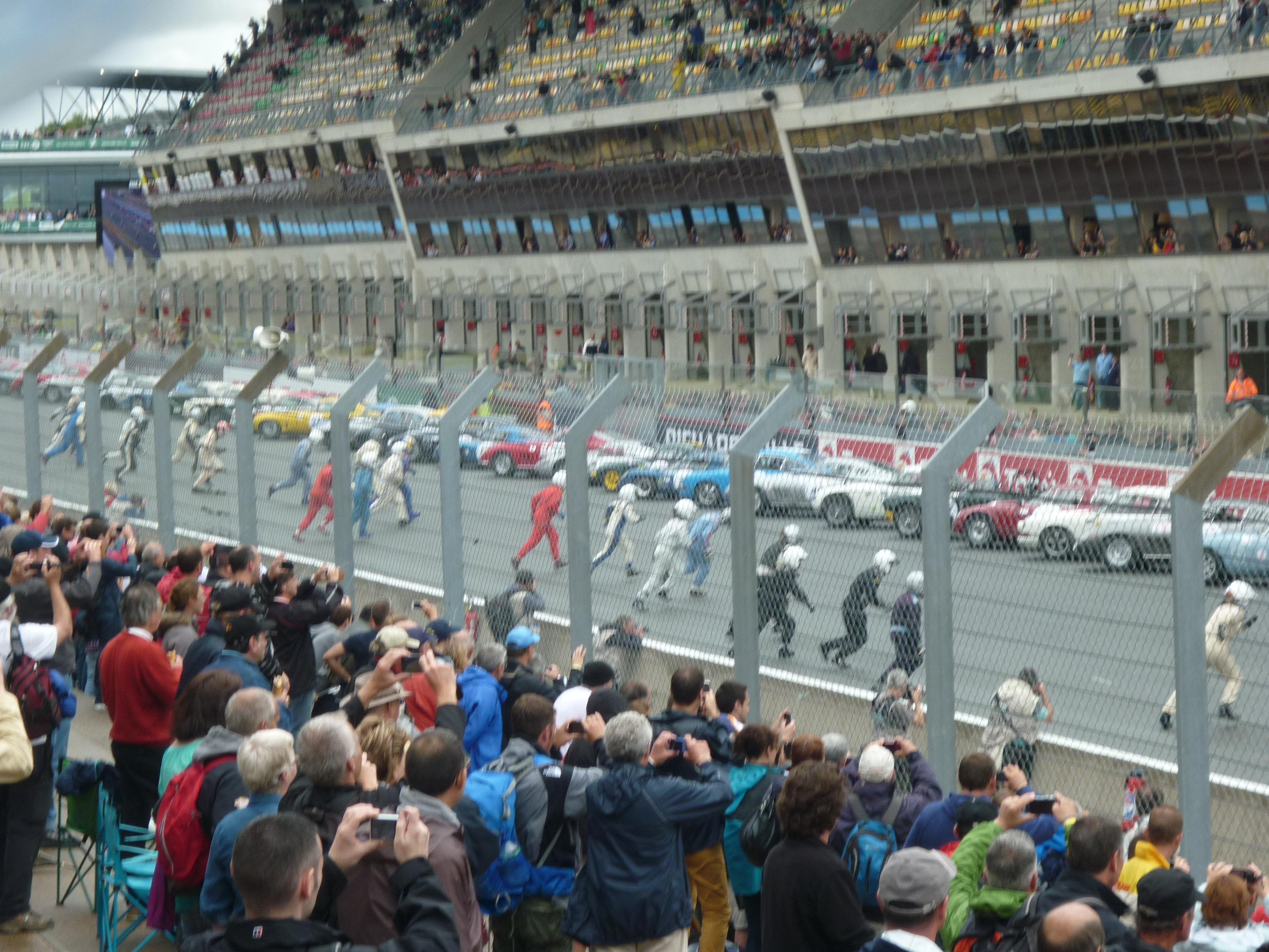 Le Mans Style Start