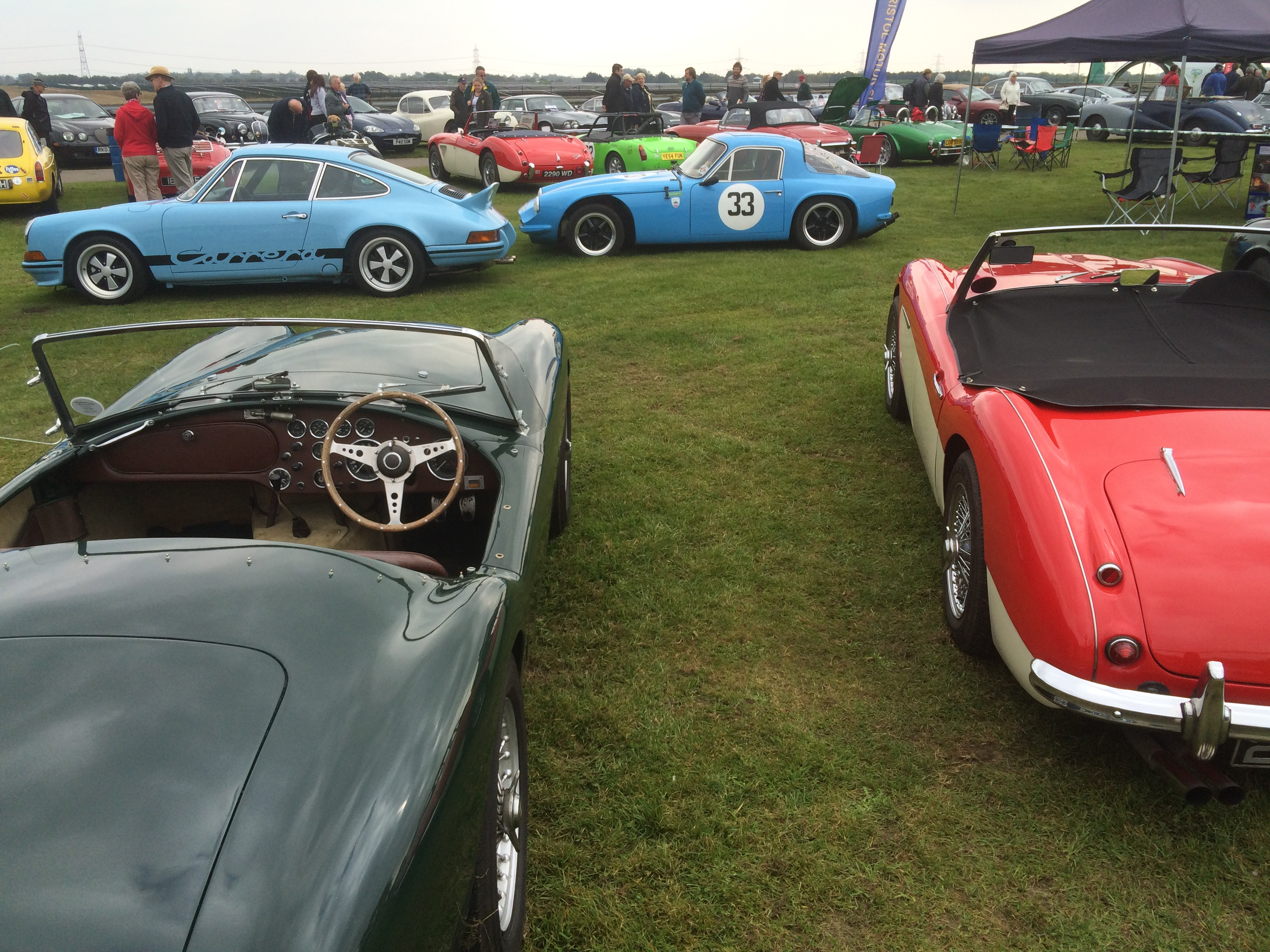 AC Ace and Austin Healey 100/6